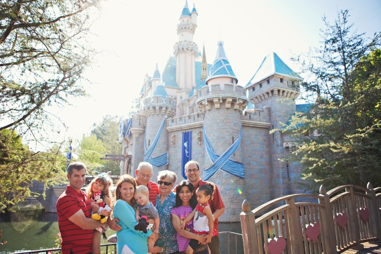 family pictures at disneyland