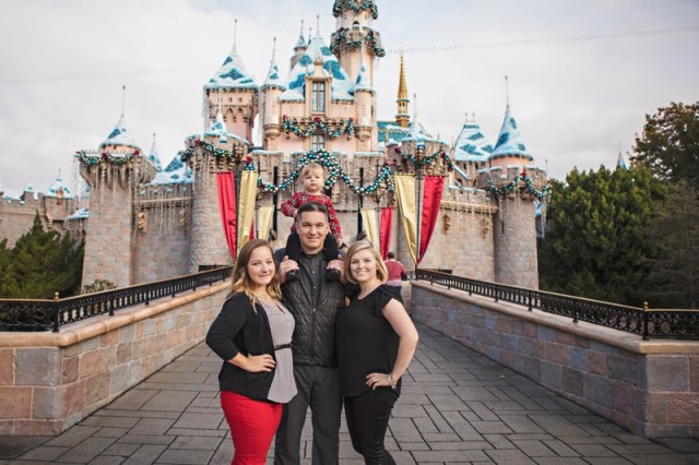 holiday photos, anaheim, anaheim kid photographer, disney vacation photography, disneyland, disneyland family vacation photography, disneyland vacation photography, family photography, southern california