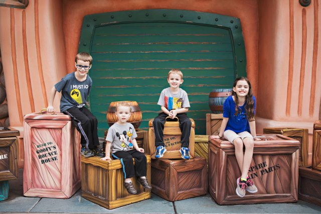 anaheim, anaheim kid photographer, disney vacation photography, disneyland, disneyland family vacation photography, disneyland vacation photography, family photography, southern california, family photos at disneyland