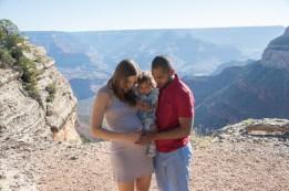 Maternity photo at Grand Canyon