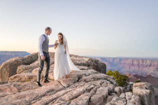 9.14.18 LR Wedding Photos at Lipsn Point Photography by Terri Attridge-15
