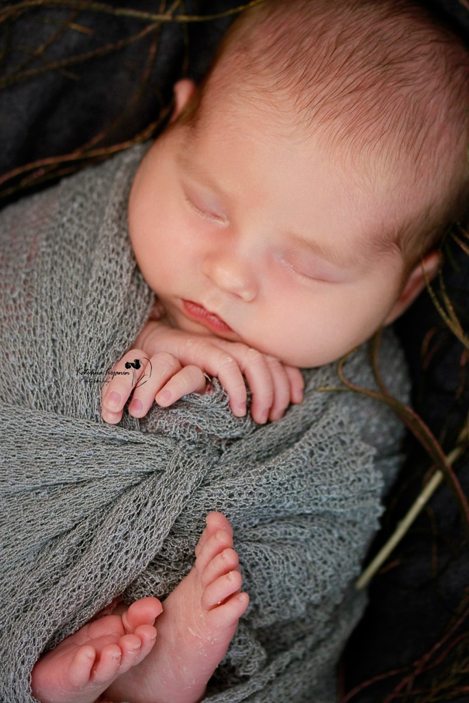 Newborn photography sessions and studio newborn photography shoots. Newborn photo shoot comes with posing, props, and edited photos on a flash drive.