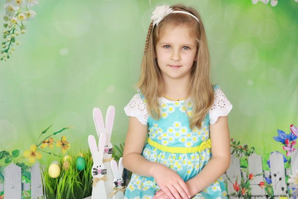 Picture Day photography services for Daycare, Kindergarten, VPK, K-7 and High School.