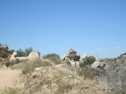 The large boulders create many formations.