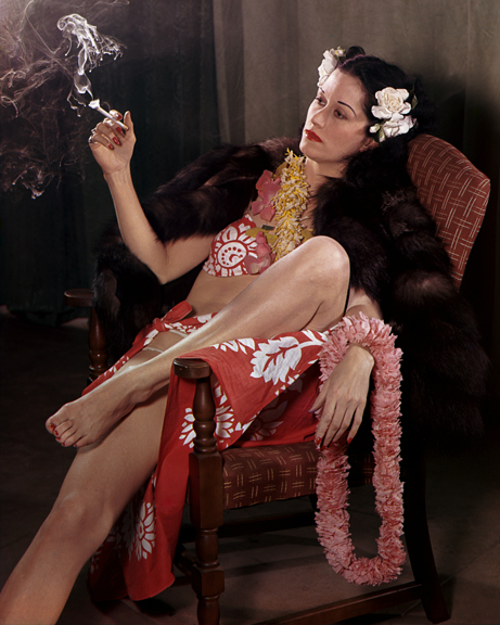 people_05-smokingmaytropicaldressleiminkstoleresting_3x4glassoneshot_2-15-41_4x5-crop_40x50jpg