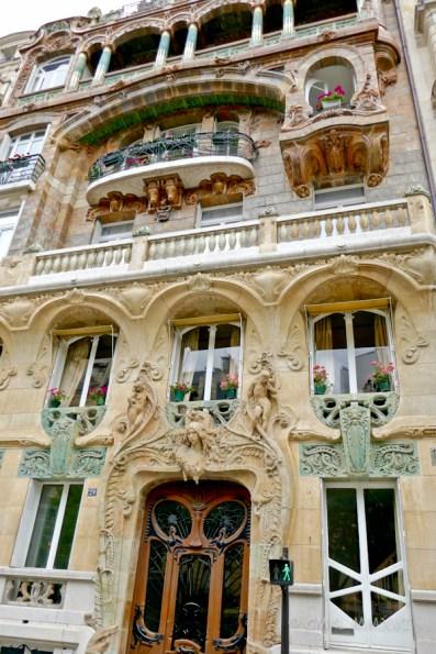 Gorgeous Art Nouveau building in Avenue Rapp
