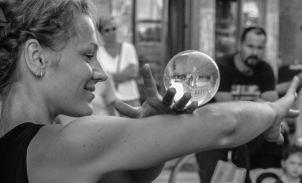 Cinzia Beatrice Stecca, Artisti di strada