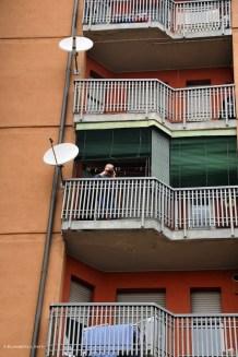 si fanno foto anche dai balconi