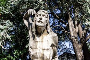 desperate 4 series statues