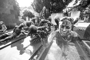 desperate 6 series statues