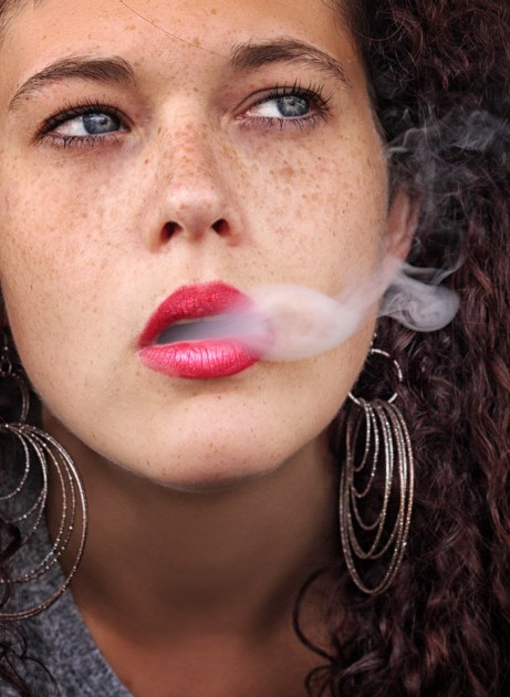 luca barovier 017 valentina e il fumo