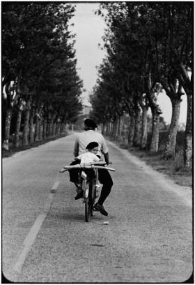 Elliott Erwitt, FRANCE. Provence. 1955