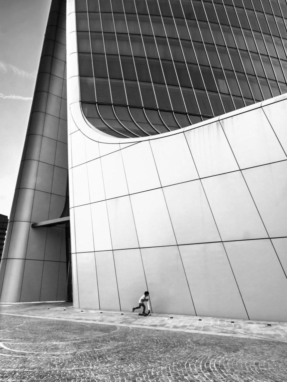 Alberto Scibona, CityLife,  - Terzo Premio per la sezione Urban Design & People del concorso fotografico Giovanni Raspini Milano Mood Portrait