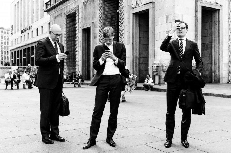 Fabio Bonanno - Businessman, fotografia vincitrice del secondo premio per la sezione Street Style & Fashion del concorso fotografico Giovanni Raspini Milano Mood Portrait