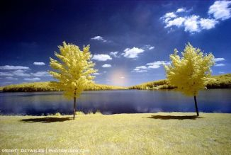 False color infrared image with a fuzzy light spot in the middle
