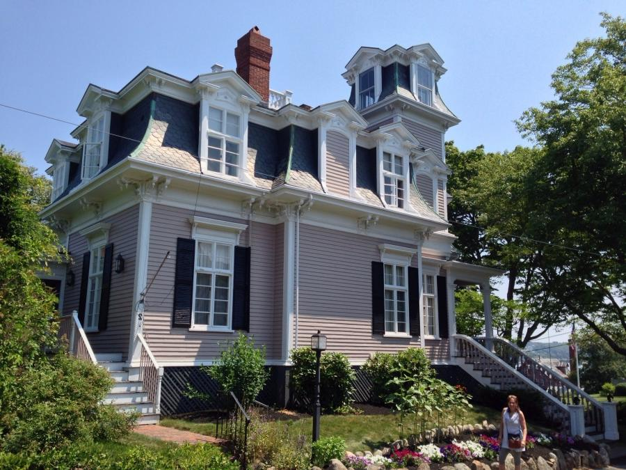 French Mansard Roof Photos