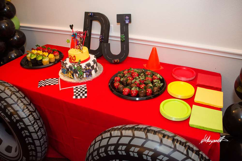 Mickey Mouse Roadster Racer Birthday Party Ideas Photo 5 Of 11 Catch My Party