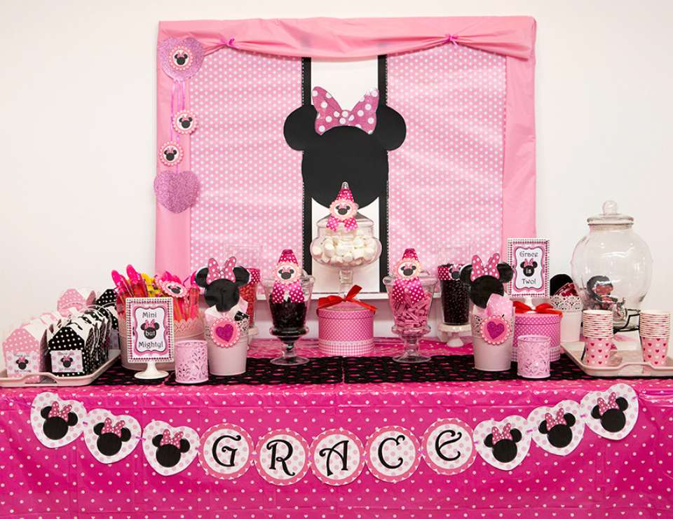 Minnie Mouse Birthday Grace S Minnie Mouse 2nd Birthday Party Catch My Party