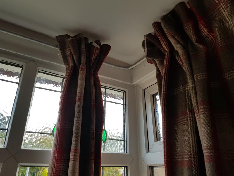 wilko 4000 x 19mm black metal bay window curtain pole