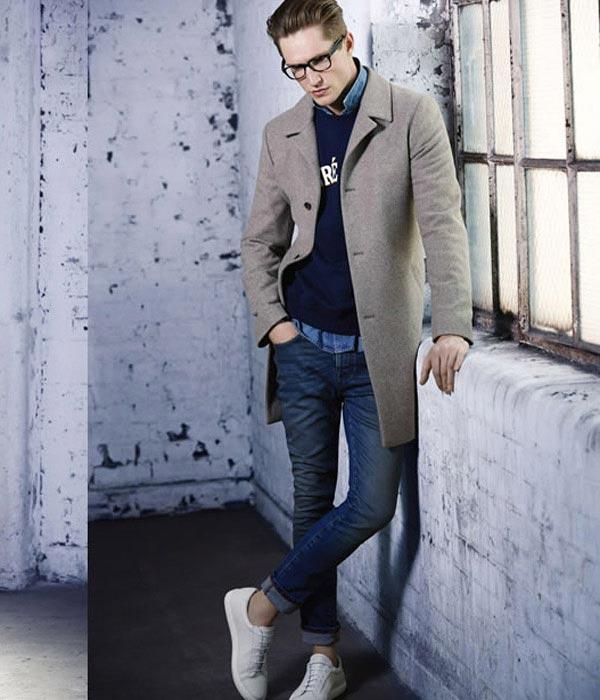 52b1bcbb9a Príklady kombinácie pánskej bundy a džínsov  top 7 módnych lukov pre  chlapcov