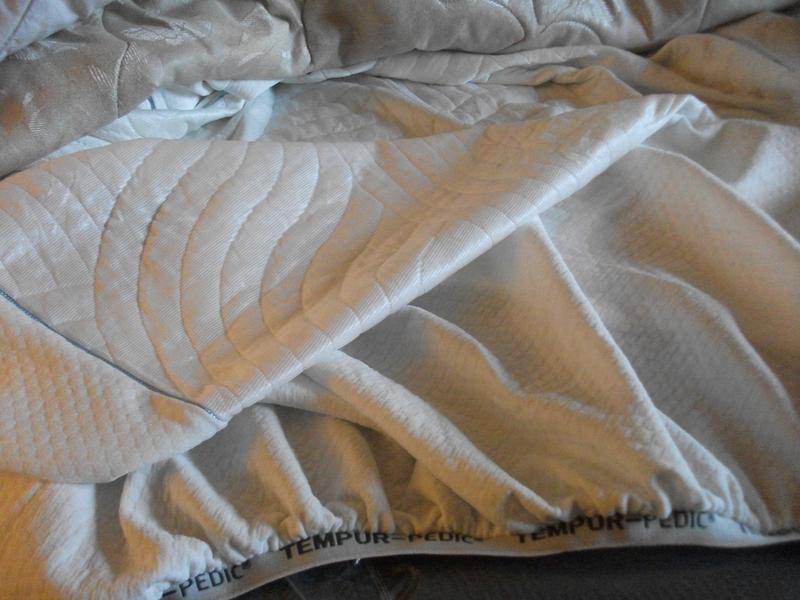 tempur pedic cool luxury mattress protector