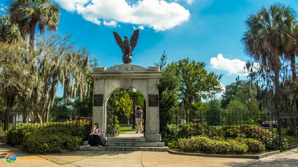 Savannah cemetery entrance