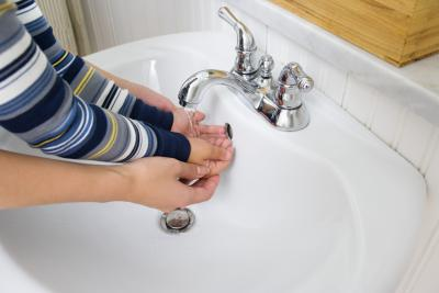 how to replace a bathrom sink drain plug