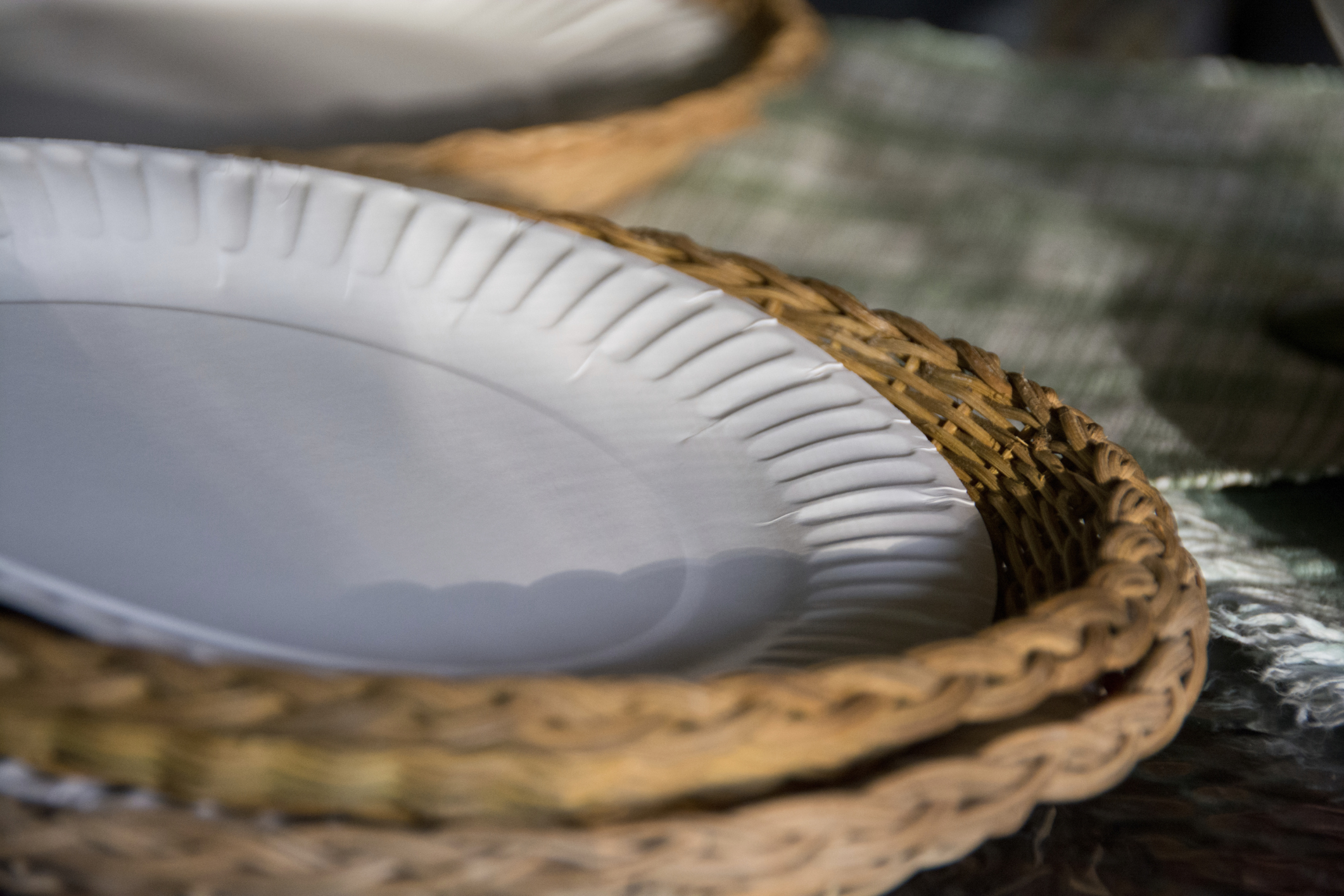 is it safe to microwave paper plates