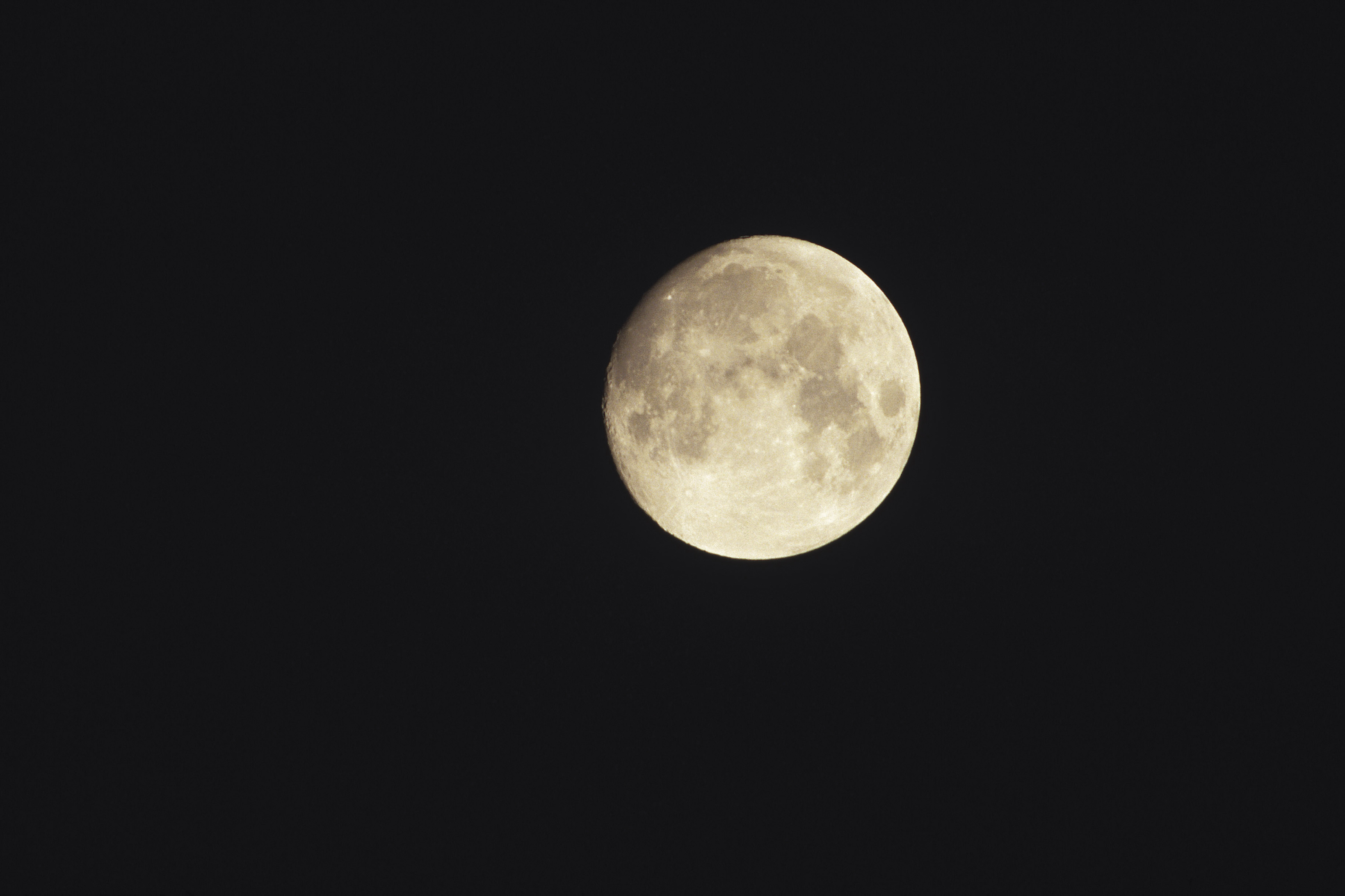 What Chemicals Do The Earth Amp Moon Have In Common