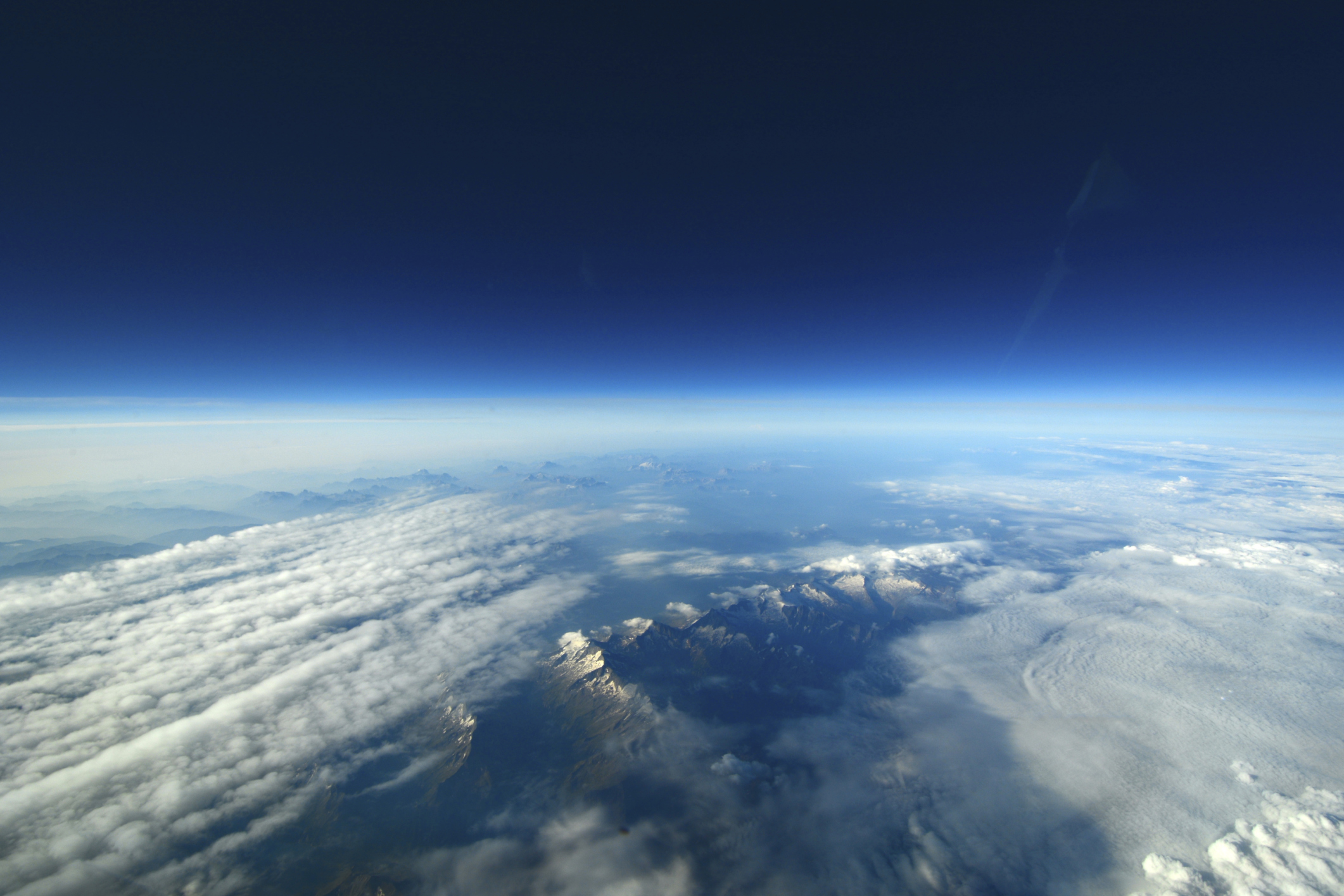 How Does The Earth S Atmosphere Protect Living Organisms