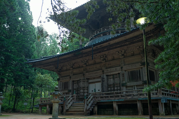 Visiting an old temple in Mount Koya