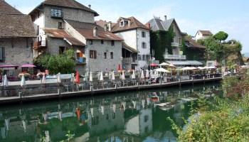 Canal de Savières à Chanaz en Savoie depuis la véloroute ViaRhôna