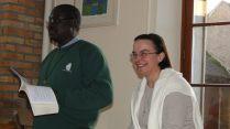 Fr Basile et sr Martine animent un temps d'échange sur la vie consacrée