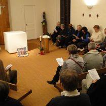 C'est la prière du soir qui nous rassemble ensuite à la chapelle pour clôturer ce bon temps de convivialité