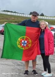 Et oui, le drapeau Portugais marche avec nous !