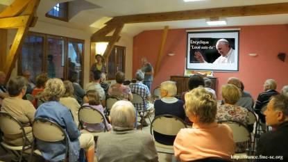 En soirée, présentation via un DVD de l'encyclique Laudato si
