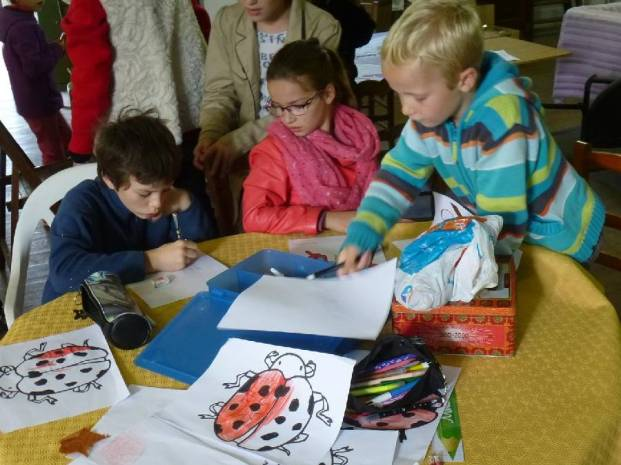 6-atelier-coloriage-hote-a-insectes
