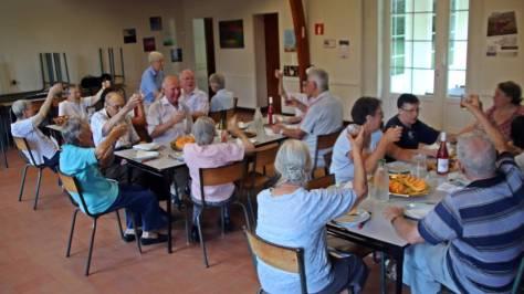 Repas avec les Soeurs du Prieuré et les Frères de Lorris