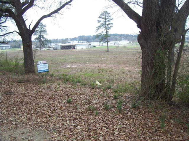 GREAT COMMERCIAL LOCATION!   This approximately 5 acre tract is located just off South 4th Street and Loop 304 in Crockett. It has great road frontage on Highway 19, just across from the Angelina College-Crockett Campus. This property has a deeded easement to Loop 304.This property has many possibilities. Please give us a call to schedule a showing.