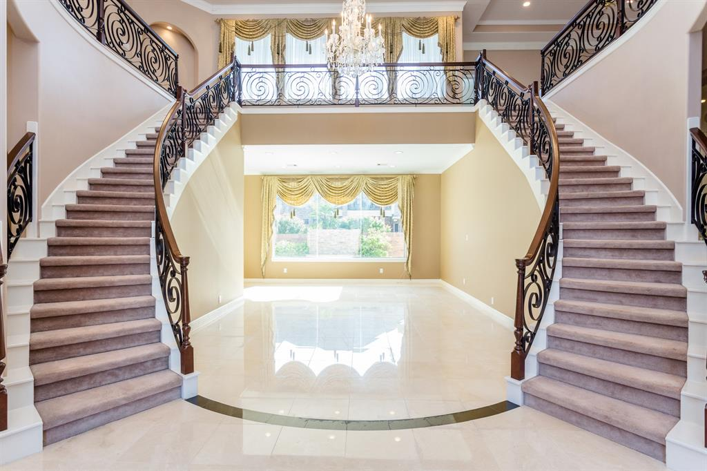 Homes For Sale In Houston Tx With Double Staircase