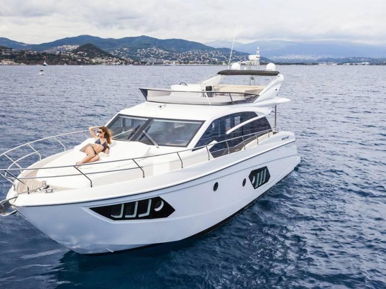 Rent ABSOLUTE 52 FLY Motoryacht 51706 INautia