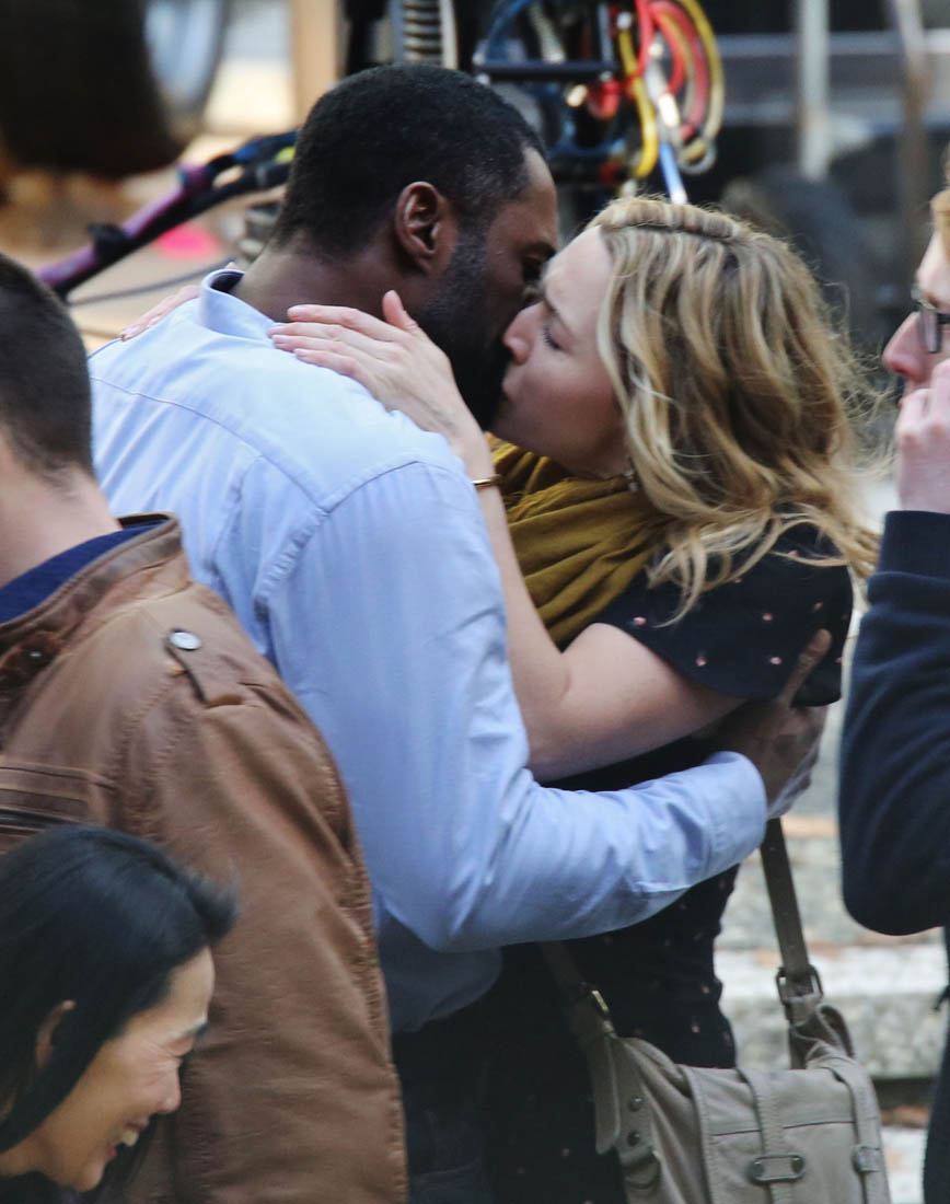 Idris Elba Kate Winslet Kiss On Set Of The Mountain
