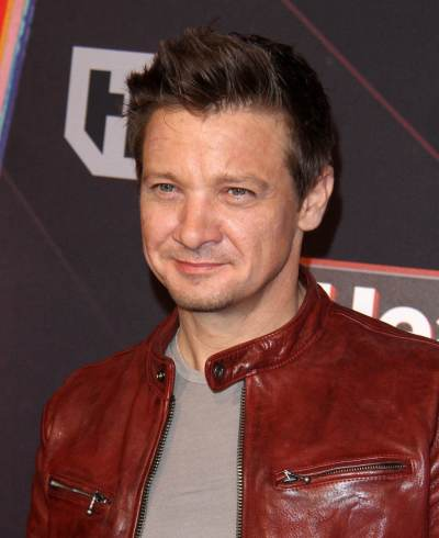 Jeremy Renner working with escapex on a new experience app