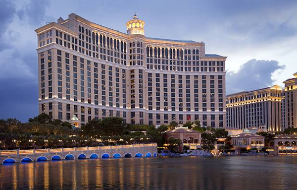 MGM to sell Bellagio for $4.25 billion, lease property back