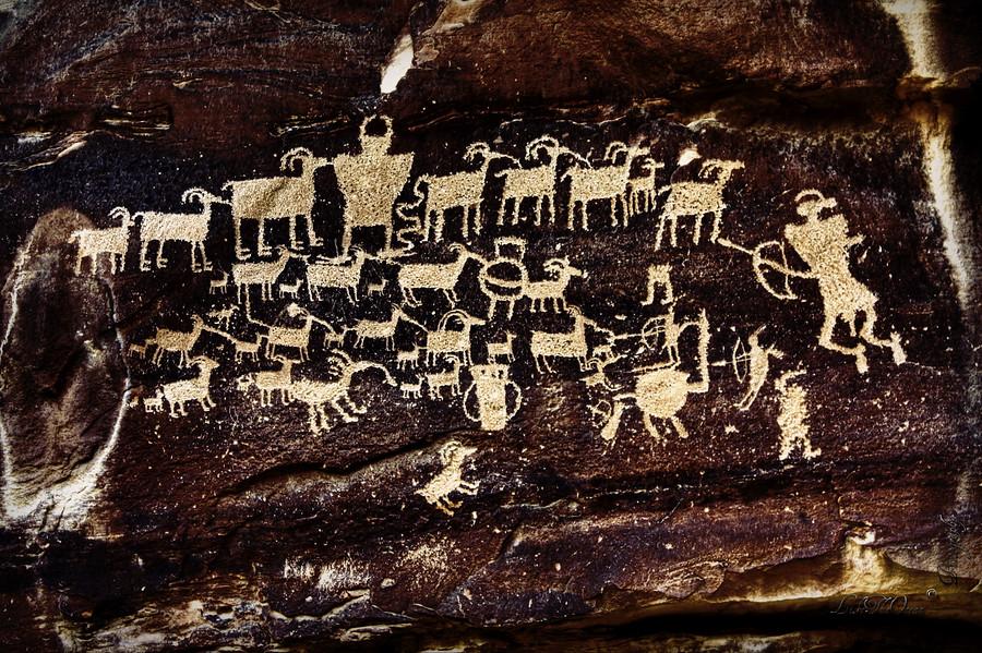 Fremont Indian Petroglyph - Spectacular Rock Art - Hunters Panel (1/3)