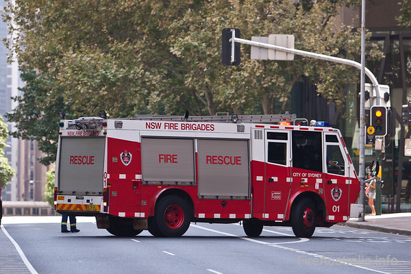 FRNSW Rescue 1Heavy Rescue from City of Sydney station.