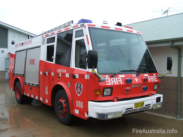 NSWFB P88 CampbelltownNSWFB P88 Campbelltown, a Varley Commander FBY369.Open Day April 2007