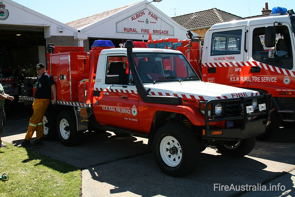 NSW RFS Calderwood Cat 7 ApplianceBased on a Toyota Landcruiser vehicle.Photo September 2007