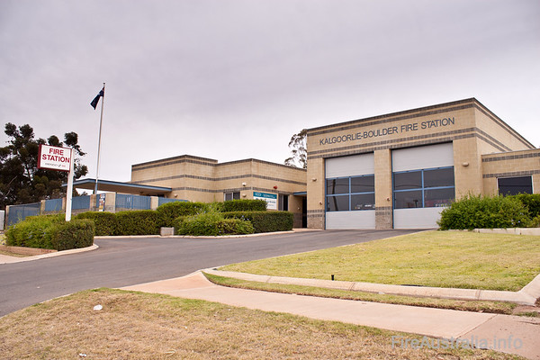 Kalgoorlie-Boulder FRSKalgoorlie-Boulder FRS Station is Career staffed, and responsible for the large Kalgoorlie centre, as well as responding to a range of incidents in the vast areas around, with remote towns and properties not able to sustain emergency services.December 2010