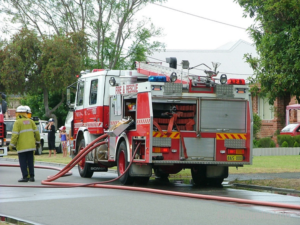 WA FRS Perth HPPerth's Heavy Pump at a structure fire in Rivervale